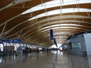 上海浦東国際空港T2内部