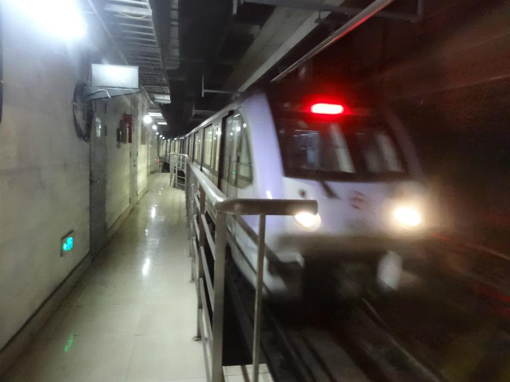 上海軌道交通10号線(地下鉄10号...