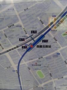 西蔵北路駅周辺図(出入り口)