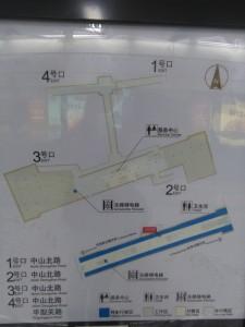 西蔵北路駅構内図