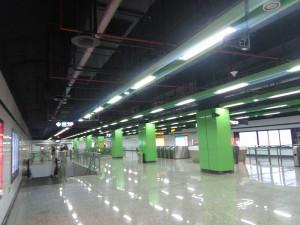 東陸路駅コンコース