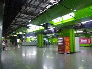 川沙駅コンコース