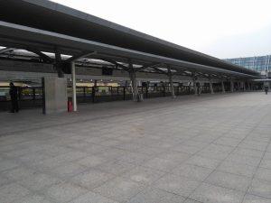 上海賽車場駅ホーム