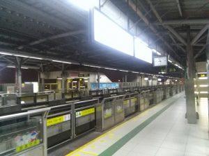 淞濱路駅ホーム