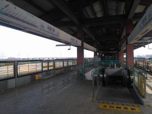 華夏中路駅ホーム