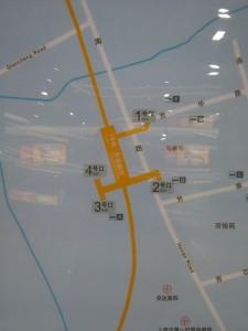 芳華路駅周辺図(出入り口)