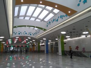 迪士尼駅コンコース