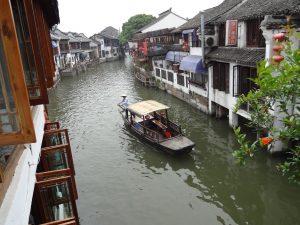 朱家角の水路