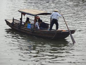 朱家角の船