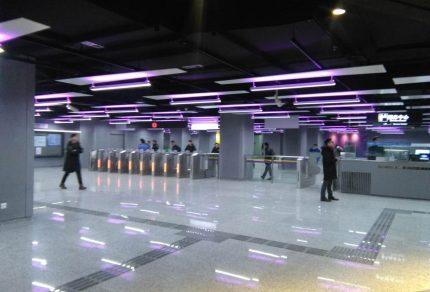 上海火車站駅西出口