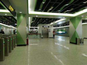 青浦新城駅コンコース