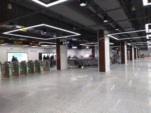 奉賢新城駅コンコース