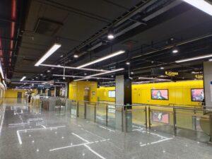 羅秀路駅コンコース