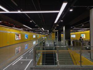朱梅路駅コンコース